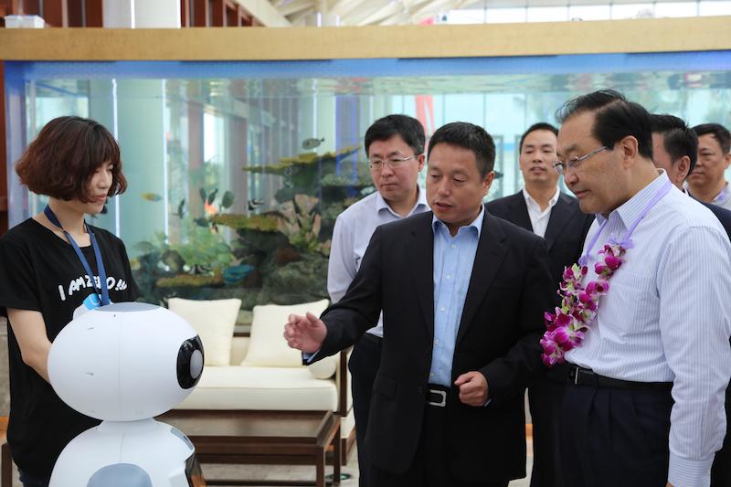 给健康服务机器人市场机会   2030年我国养老服务业市场的总产值将突破10万亿元大关-默墨交互