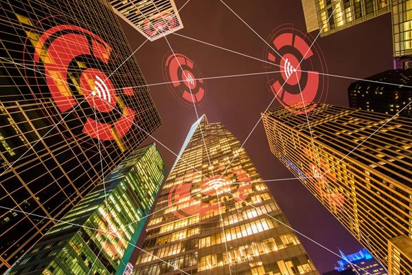 中国城市产业发展白皮书发布 40年都市辐射效应凸显