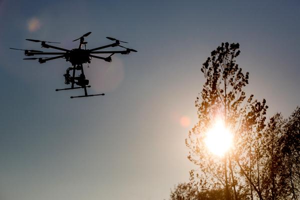 无人机还有这三个槛要过:安全、隐私和续航