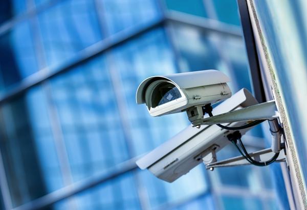《亚博》视频监控摄像机中光纤的应用