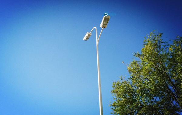 广州等多地开放路灯杆资源建微基站